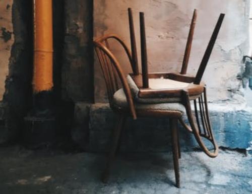 Le sedie, quanti ricordi e cosa ci racconterebbero se potessero parlare