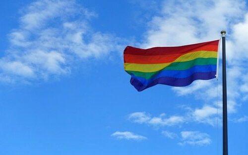 L'omofobia non è una scelta o un'opinione, è violenza, odio, discriminazione e insulto