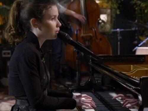 Frida Bollani, voce, grazia e talento assoluto: 'per me la cecità è un dono'