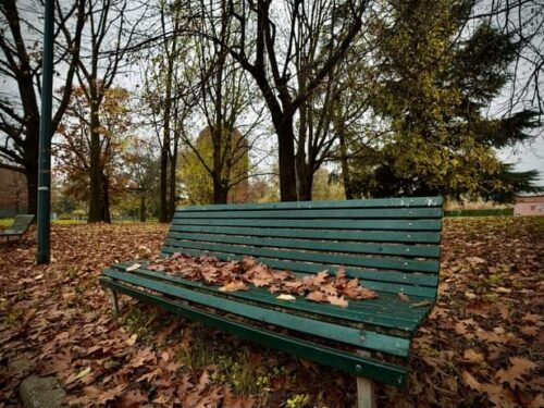 L'autunno e quella panchina vuota